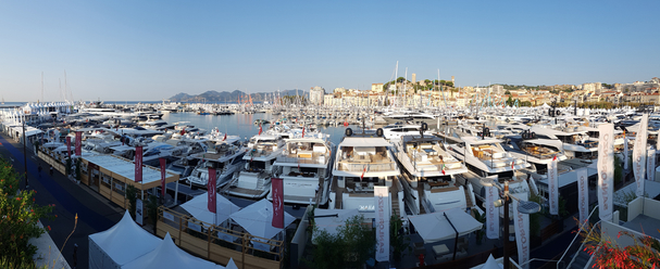 SEPTEMBER: Canns Yachtingfestival.